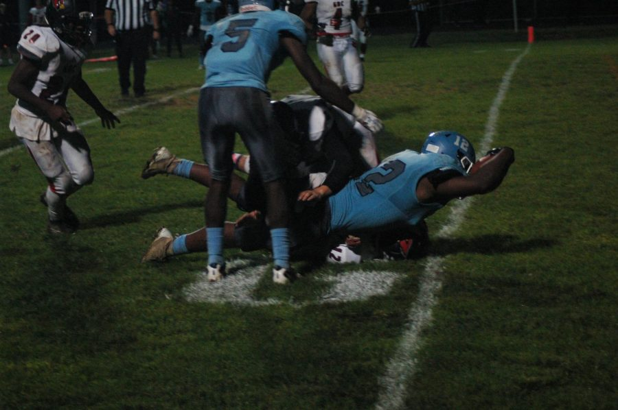 RJ Summers dives for the touchdown.