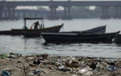 Plastic harming aquatic life